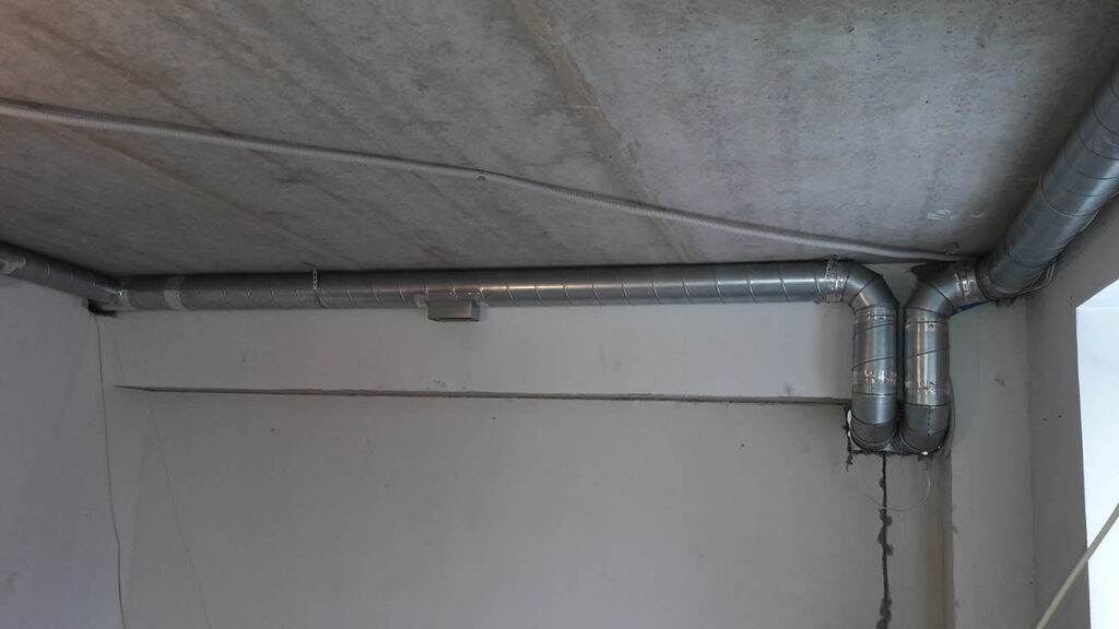 Монтаж компактной вентиляционной установки в ресторане г.Вологда, ул. Воровского