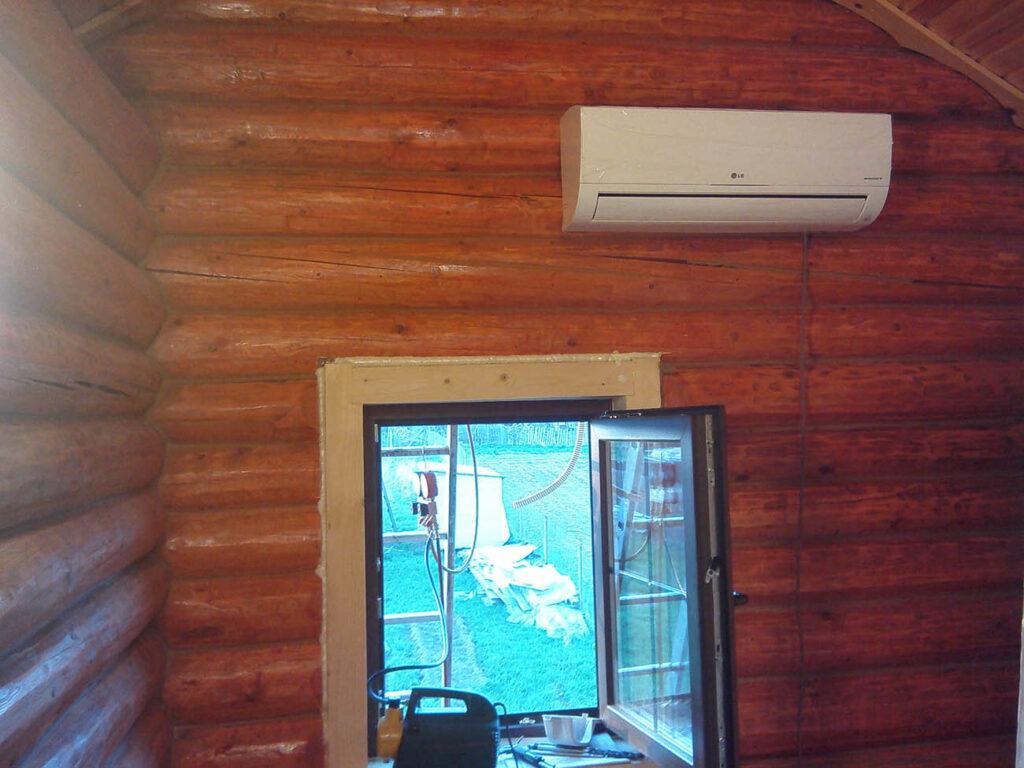 Установка кондиционера в загородном доме отдыха в помещении 16 кв.м